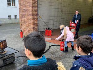 Besuch der Feuerwehr am 19. 12. 2018